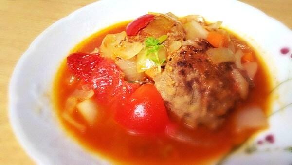 無添加トマトジュースを使ったトマト煮込みハンバーグレシピ